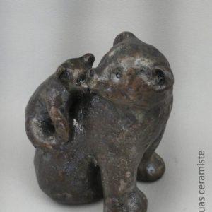 ourse brun ceramique avec son petit dans le dos