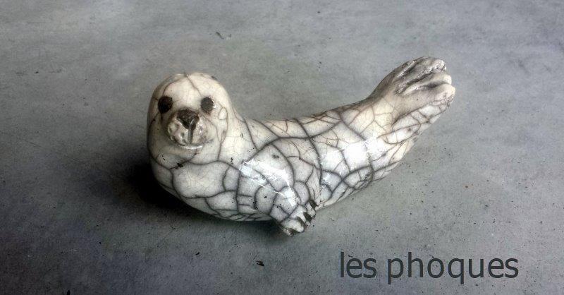 phoque banane en raku sculpture
