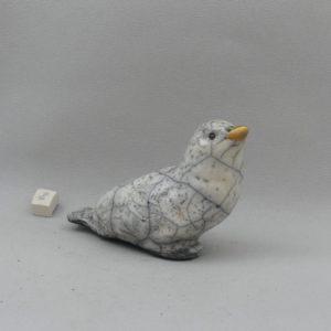 Colombe blanche craquelée L en céramique raku posé au sol